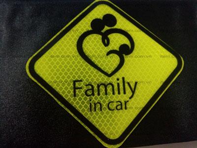 Tem phản quang ô tô và những lưu ý để mở cửa xe ô tô đúng cách