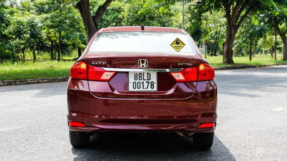 Khám phá sản phẩm mới: Tem dán đuôi xe phản quang