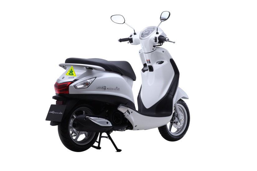 Tem phản quang xe máy nên mua ở đâu?