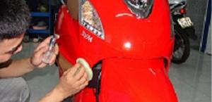 Cách xử lý vết xước xe máy tại nhà